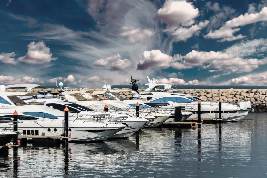 picture of a marina