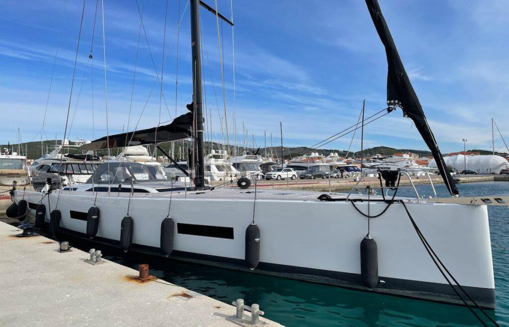 Segelyacht Solaris 60 in der Marina