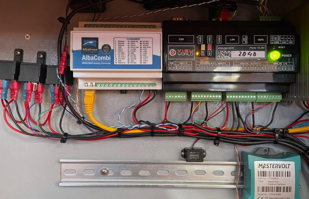 Foto vom Einbau eines VisuWorld Systems